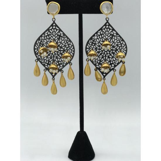 Spate Earrings
